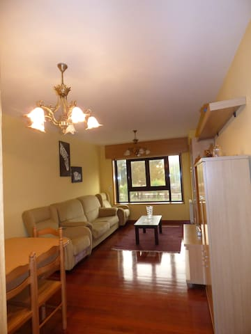 Three double bedroom flat to rent in santiago