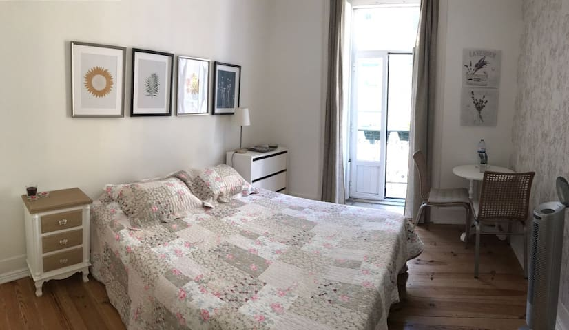 Double room in city center house