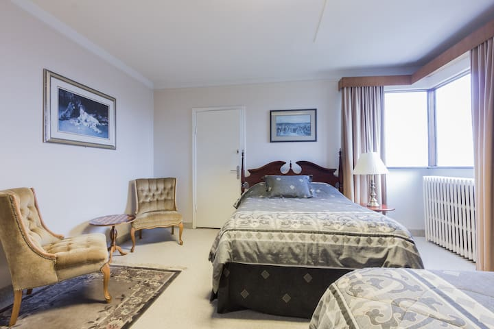 GUESTH. ANNA- 2 PRIVATE ROOMS, PERFECT FOR COUPLES - 雷克雅維克(Reykjavík) - 旅舍