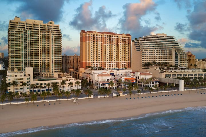 2BDRM Resort Suite - on Fort Lauderdale Beach!