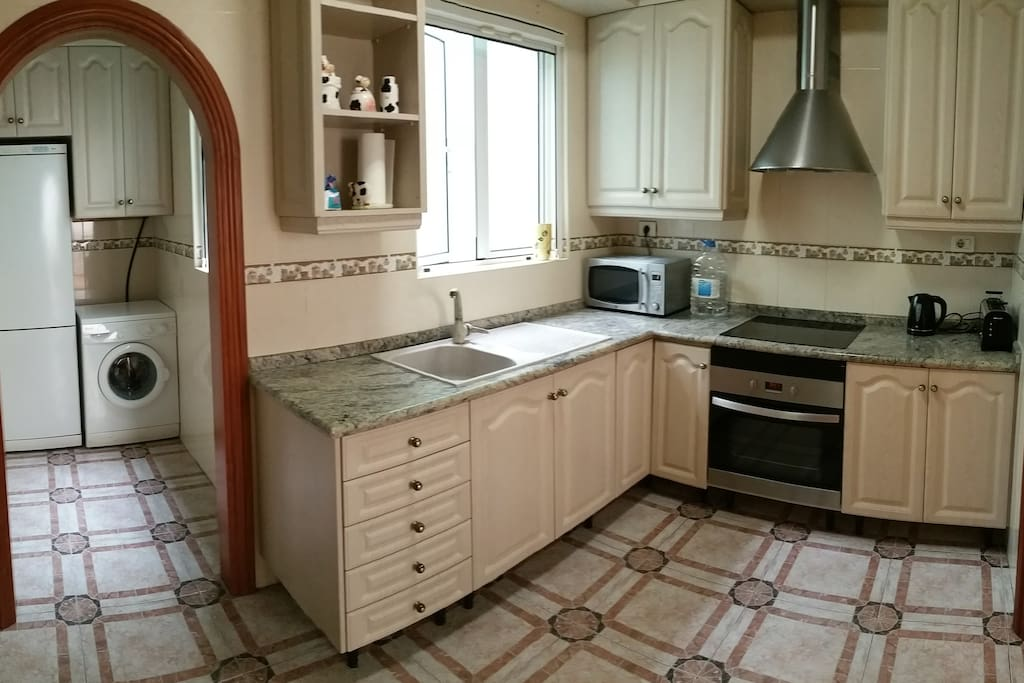 Apartment close to las canteras wohnungen zur miete in - Singular kitchen las palmas ...