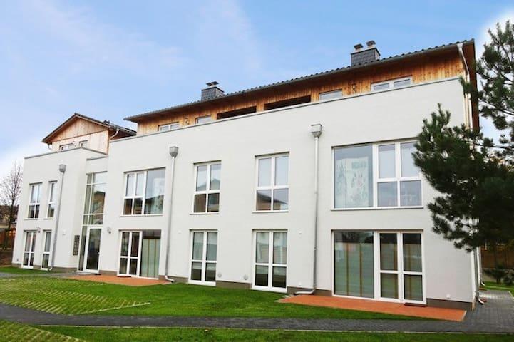 strandnah beim Windmüller 3 (Terrasse und Sauna) - Koserow - Apartamento