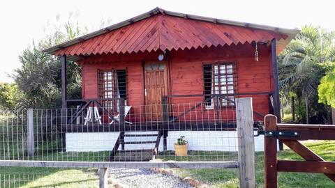 Cabaña en pueblo rural entre las Sierras