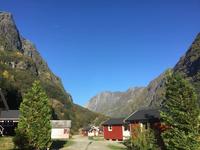 Gudvangen camping cabin 3 stars nr7 - Gudvangen - Bungalow