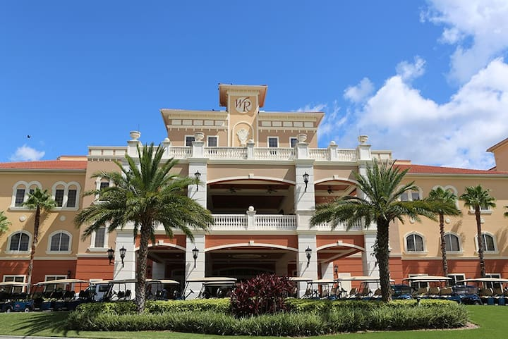 5 mls to Disney World. At a Nice Resort for 6 ppl