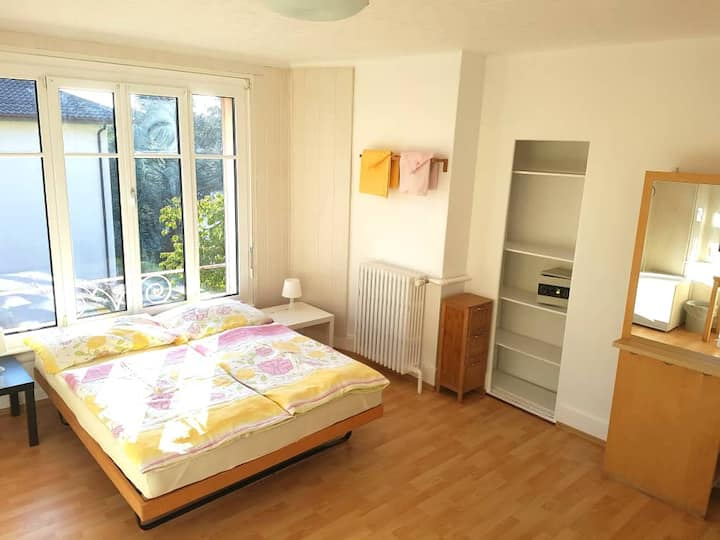 Grande chambre meublée sans service hôtelier R3