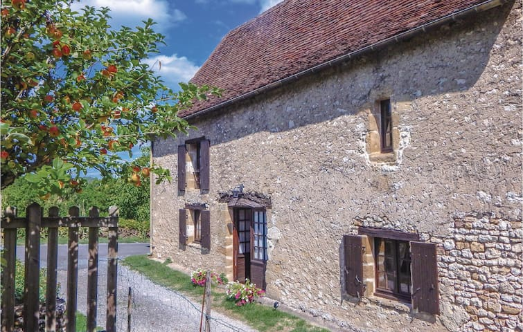 Semi-Detached with 2 bedrooms on 101 m² in Auriac-du-Perigord