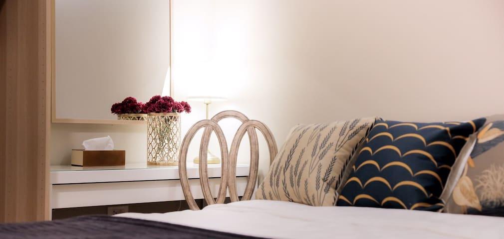 Luxury room near BTS Ratchatewi(N1) - Bangkok - Apartment