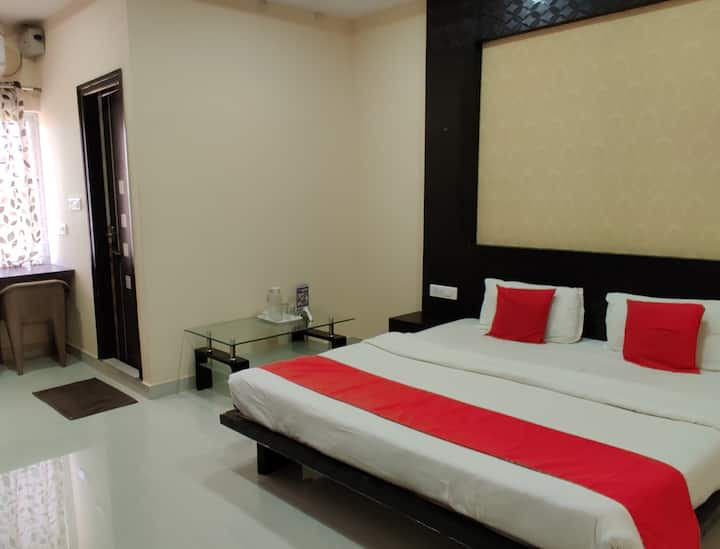 Private Deluxe suite room @ 10 min from Place