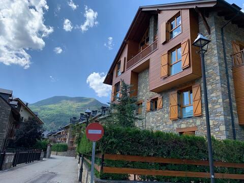 Acogedor apartamento en Esterri d, Aneu