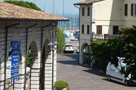 Appartamento in palazzo storico cinquecentesco - Desenzano del Garda