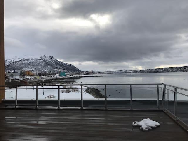 Cosy appartment with beautiful view - Tromsø - Wohnung