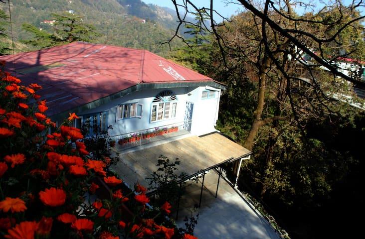 The Burra Bungalow - Mussoorie - Haus