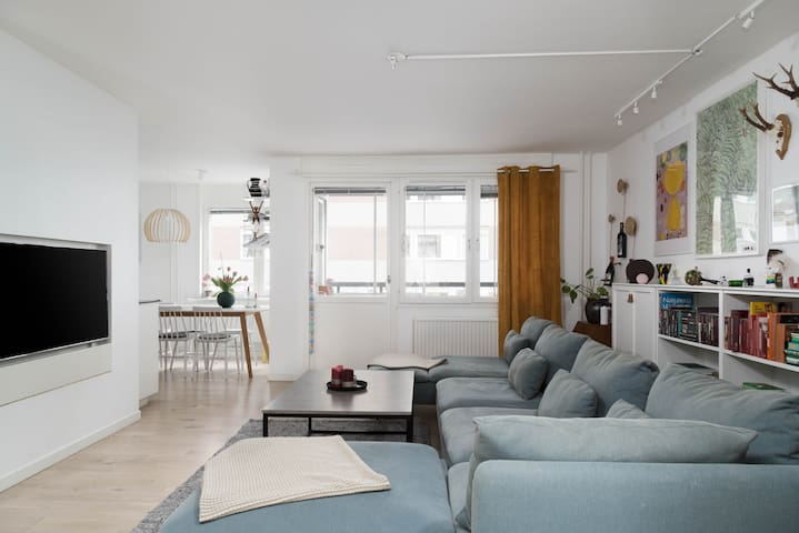 Spacious and Bright 3BR Home in Södermalm
