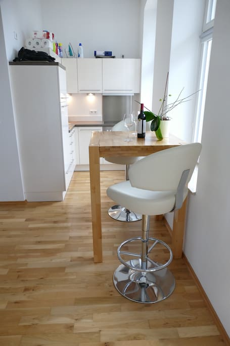 gepflegtes apartment in mitte wohnungen zur miete in berlin berlin deutschland. Black Bedroom Furniture Sets. Home Design Ideas