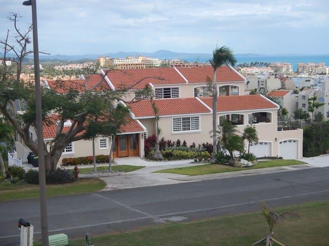 Luxury  Mansion, Incredible Ocean Views, Sleeps 22