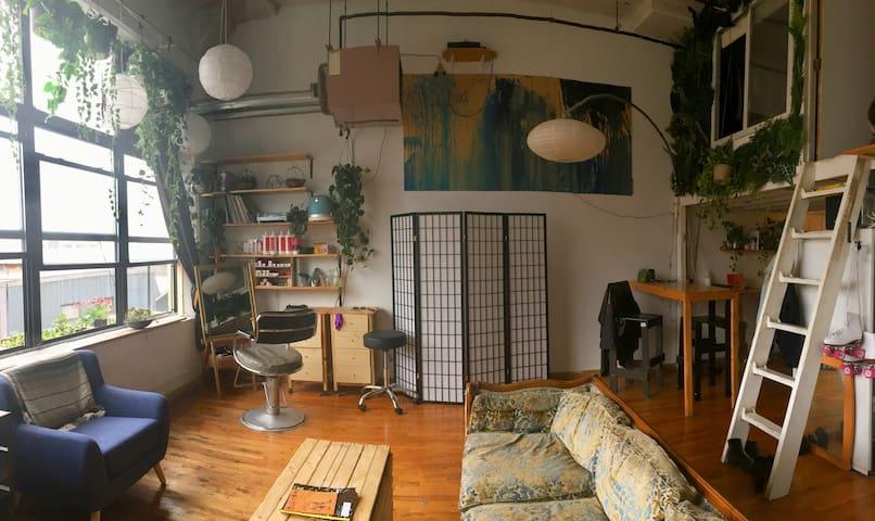 Room in Sunny Bushwick Artist Loft