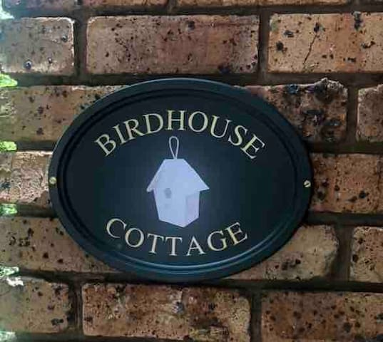 Birdhouse Cottage