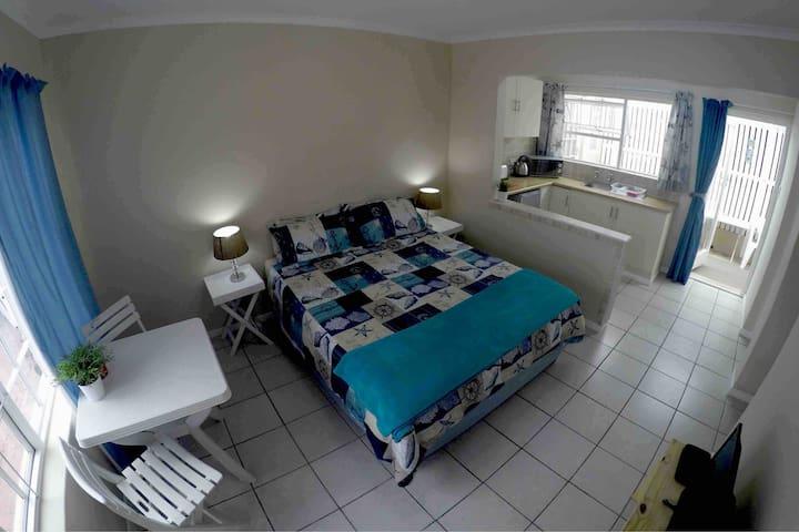 Seashell Studio - KOMMETJIE, Cape Town
