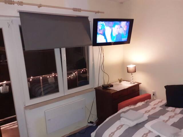 spavaća soba 1 krevet 150 puta 200 i jedan krevet 140 puta 200