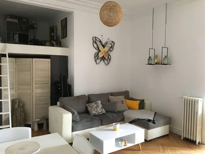 Bel appartement calme à 5-10 min du centre et mer