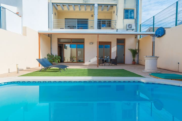 CAS PEIX  - Villa with private pool in Sa Pobla.