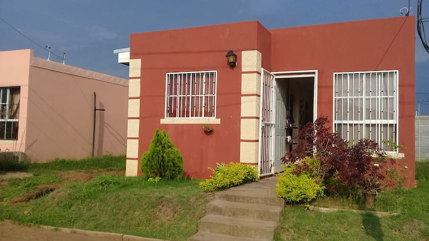 Comfortable and secure home in Managua, Nicaragua