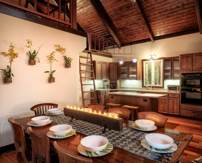 Dining and kitchen in Veranda House