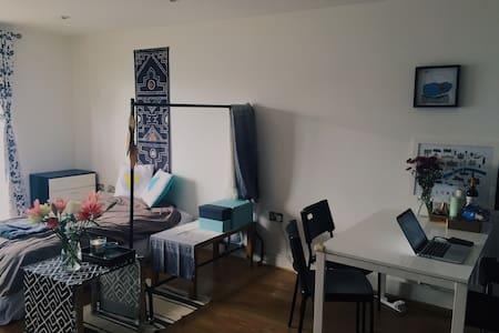 Clean Single bed in East London - 伦敦 - 公寓
