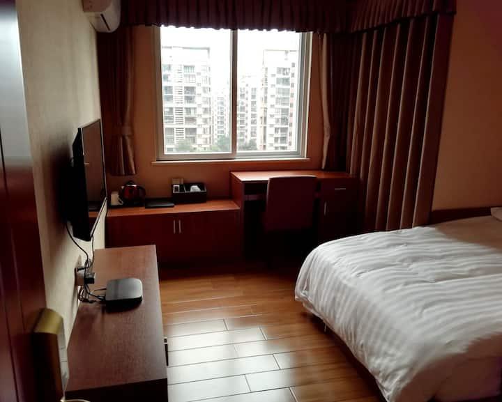 叠彩酒店民宿(有发票)/地铁旁/机场近/火车站近/好吃街旁