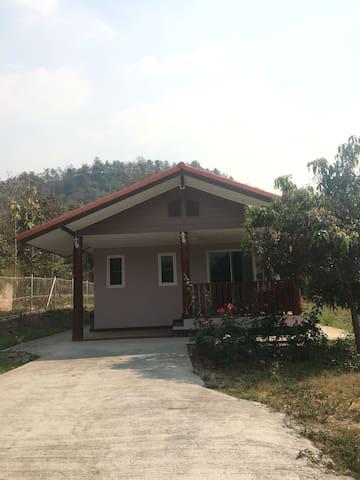 เฟรนลี่โฮมสเตย์ Friendly Home stay 1 - Thoen Buri - House