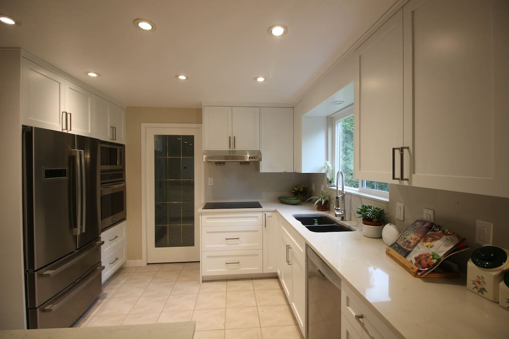Fully stocked kitchen for your occasional light cooking.