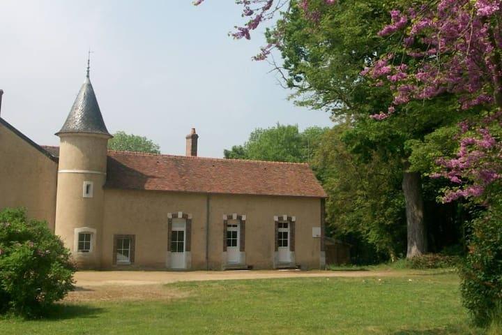 Maison de campagne, Montbouy