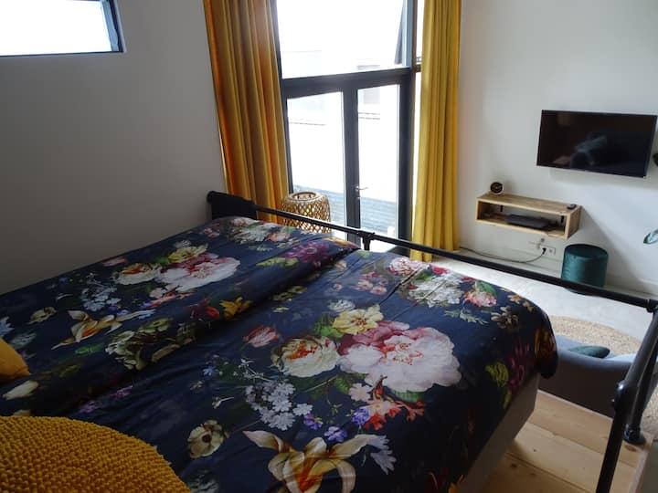 Great private suite with sauna, garden, kitchen.