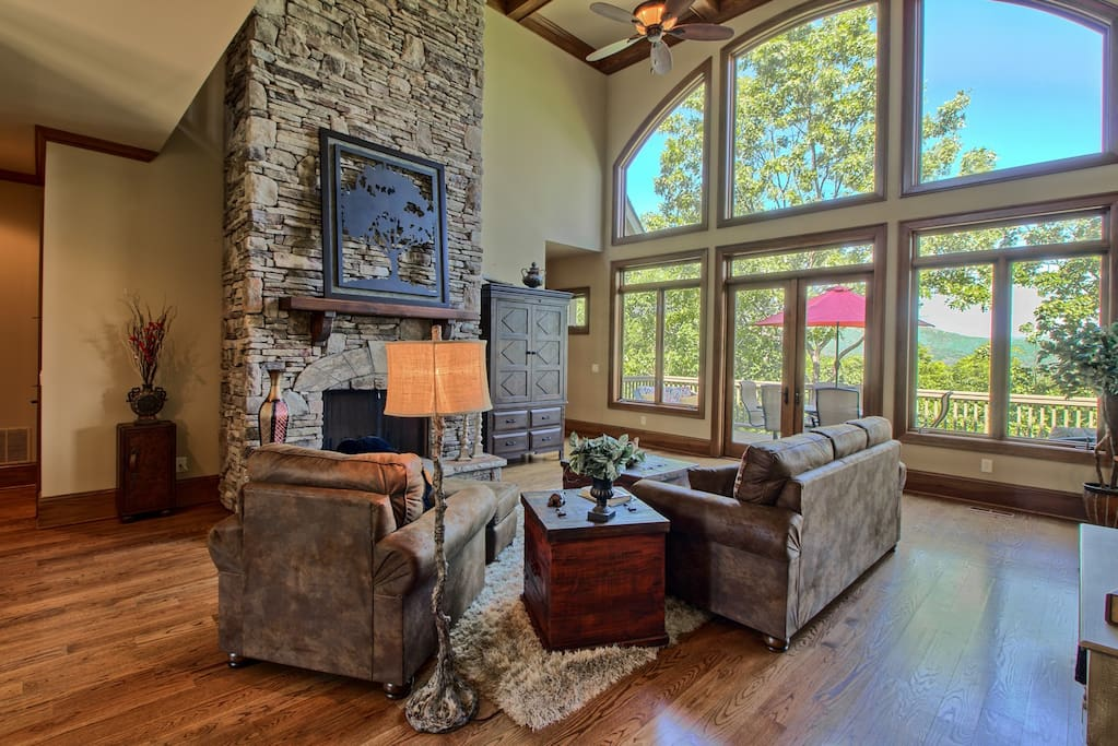 Family Room w TV & Fireplace, Open & Spacious