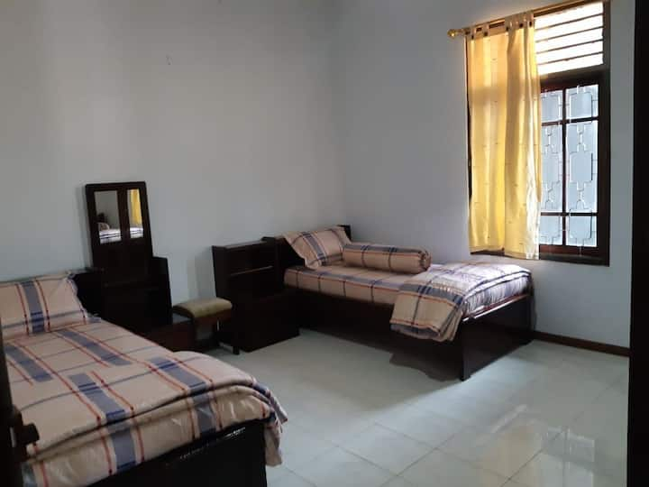 Belakang balok Home Stay