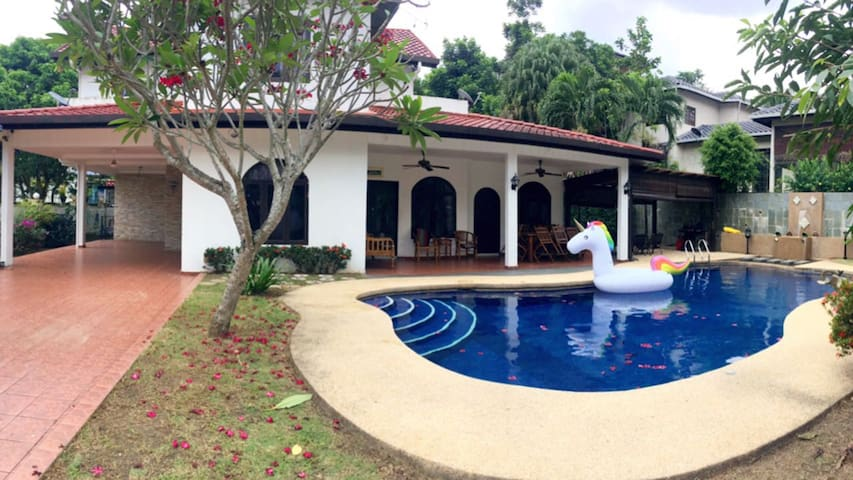 2 Storey Bungalow With Swimming Pool Tmn Zooview