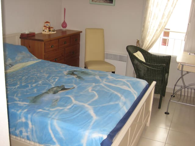 Chambre dans appartement T3 neuf - Toulon - Lejlighed