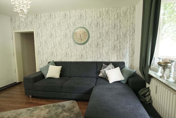 Nice 3 Rooms apartment in Neu Ehrenfeld