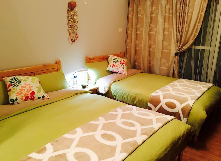 1.5米和1.2米的两张床,温馨而舒适。