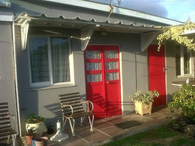 The little Red Door - Kleinmond - Apartment