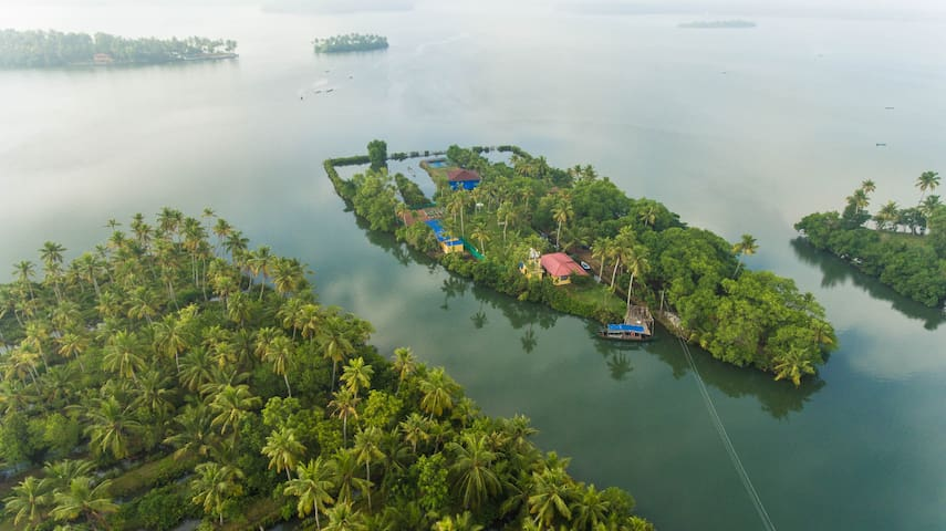 VINI'S FARM- AN ISLAND  FOR A COUPLE OR  2 ADULTS