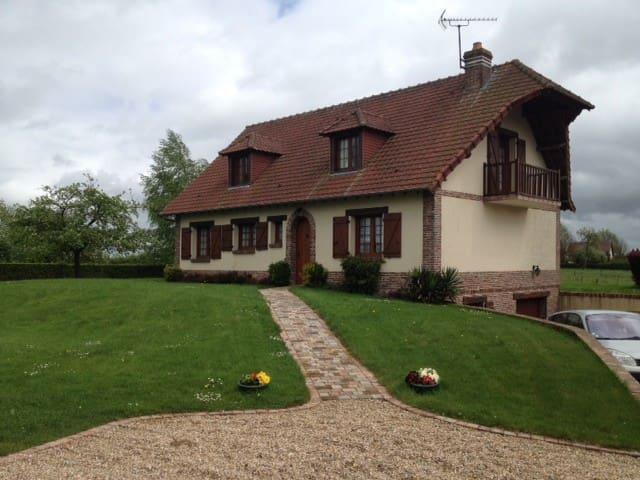 2 CHAMBRES - ARCHEO JAZZ et GREEN HORSE FESTIVAL - Vieux-Manoir - Pensió
