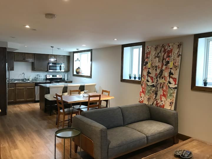Clean + Bright Apartment in Kingston