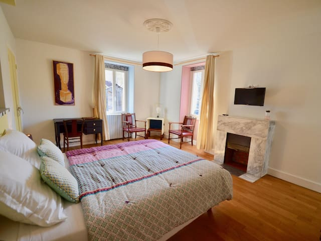 Double room-Large-Private Bathroom-Courtyard view-La Cour