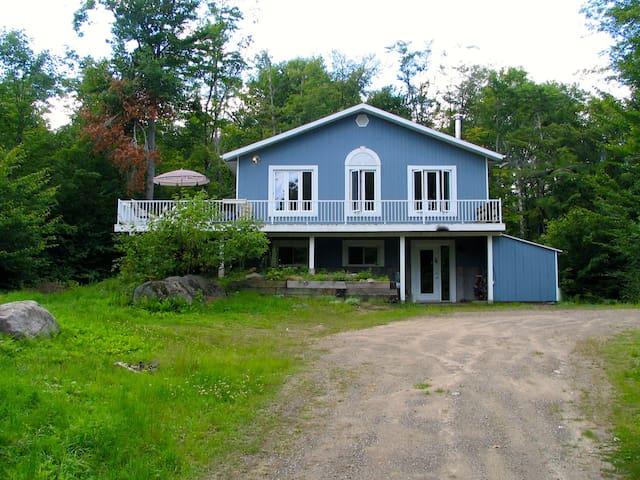 Peacefull Mont tremblant 3 bedrooms property - Lac-Supérieur - Blockhütte