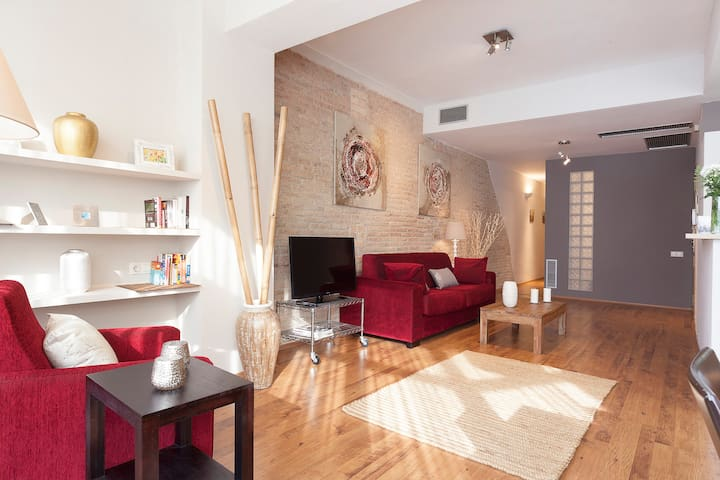 Stylish 3 br apartment in Barcelona