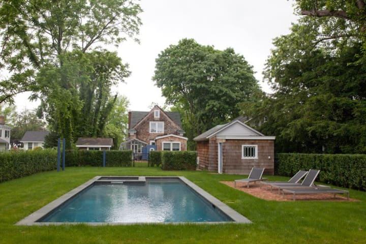 Renovated Historic Cottage w/ Pool Bellport Vllage