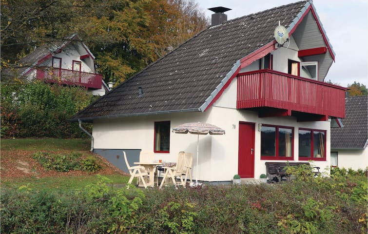 Holiday cottage with 3 bedrooms on 75 m² DHE189