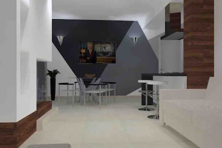 Elegant apartment 200 mt sea